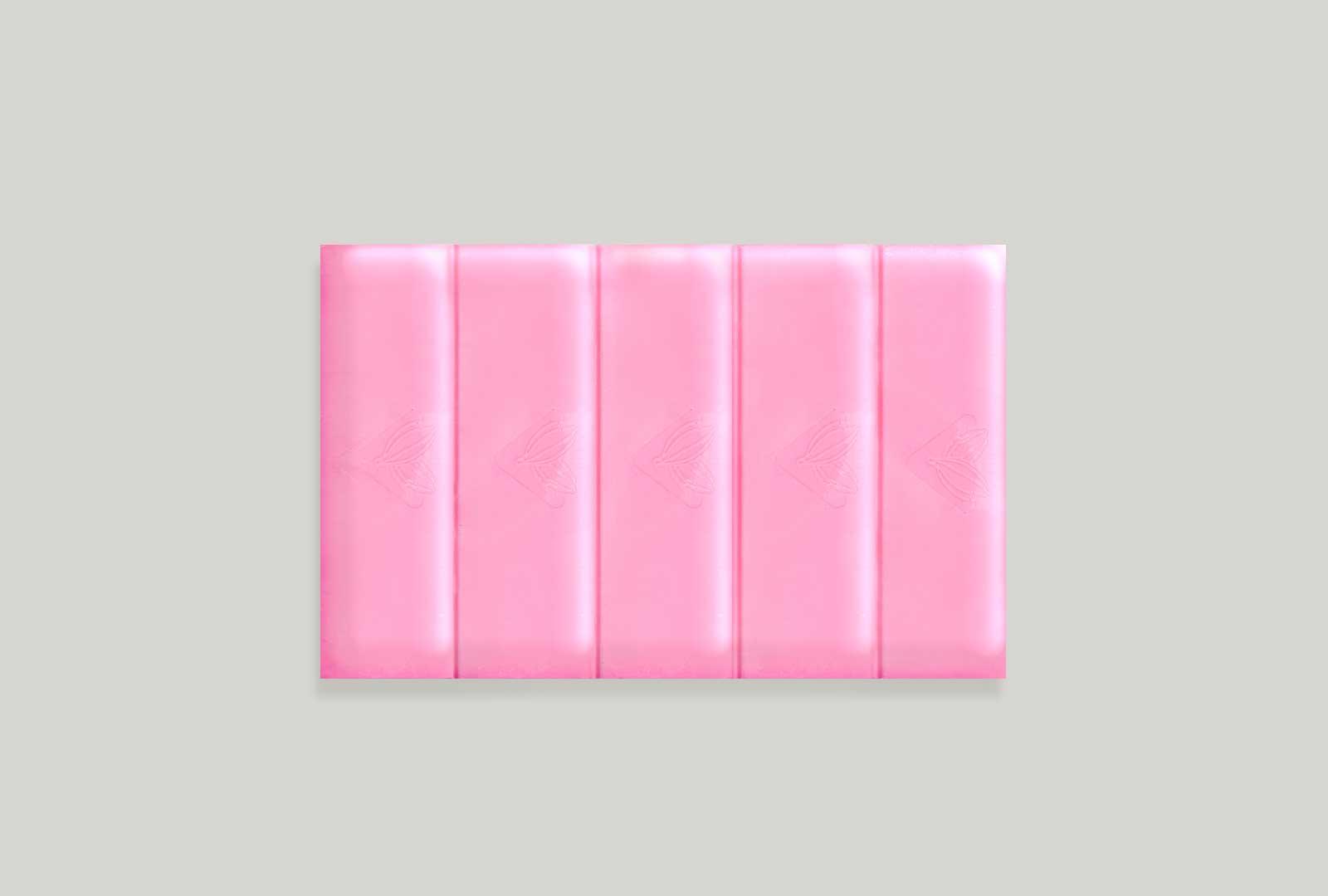 glossy-strawberry-chocolate-compound-1