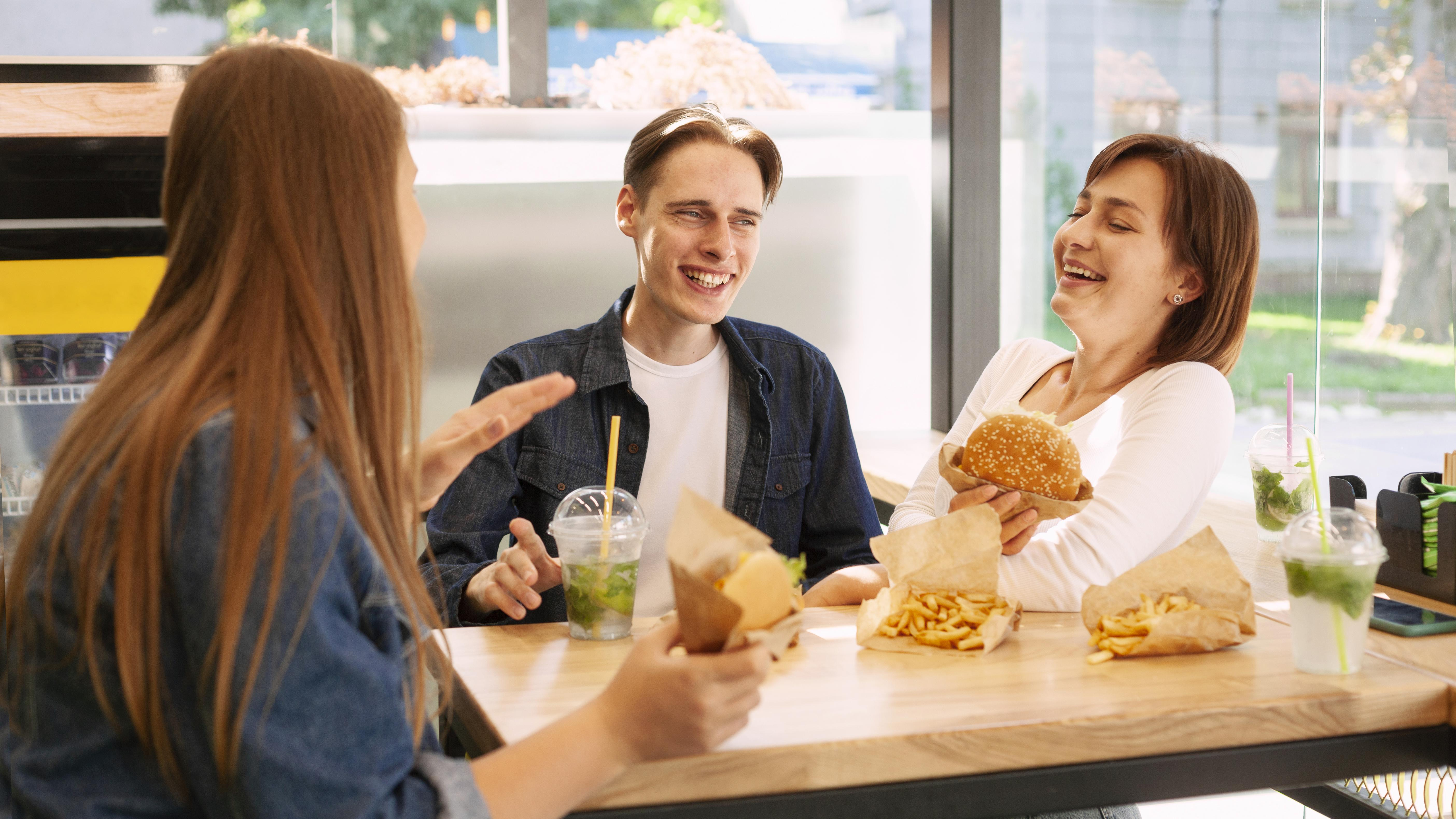 group-smiley-friends-fast-food-restaurant
